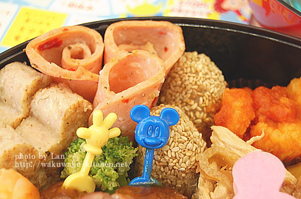 ディズニーおせちミッキーマウス・シルエット三段重
